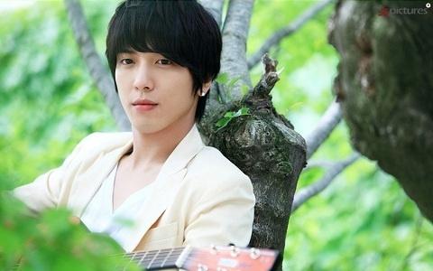 [Resim: heartstrings_yonghwa.jpg]